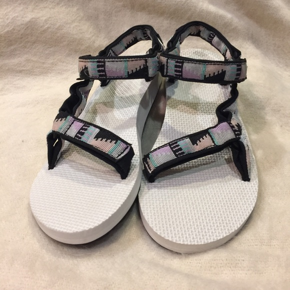 6da79ace5 Teva Shoes - Women s Original Universal Sandals